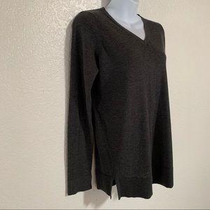 LOFT maternity v-neck sweater size XS
